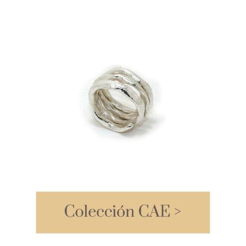 Anillo orgánico en plata de ley, realizado artesanalmente en nuestro taller de joyería de Madrid. Bisutería ética ecológica