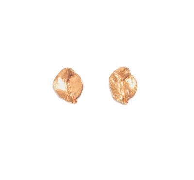 pendientes bañados oro 24Kt modelados artesanalmente en nuestro taller de joyería de Madrid. Bisutería ética ecológica