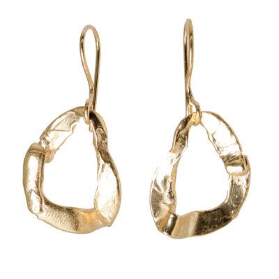 pendientes bañados oro 24 Kt modelados artesanalmente en nuestro taller de joyería de Madrid. Bisutería ética ecológica